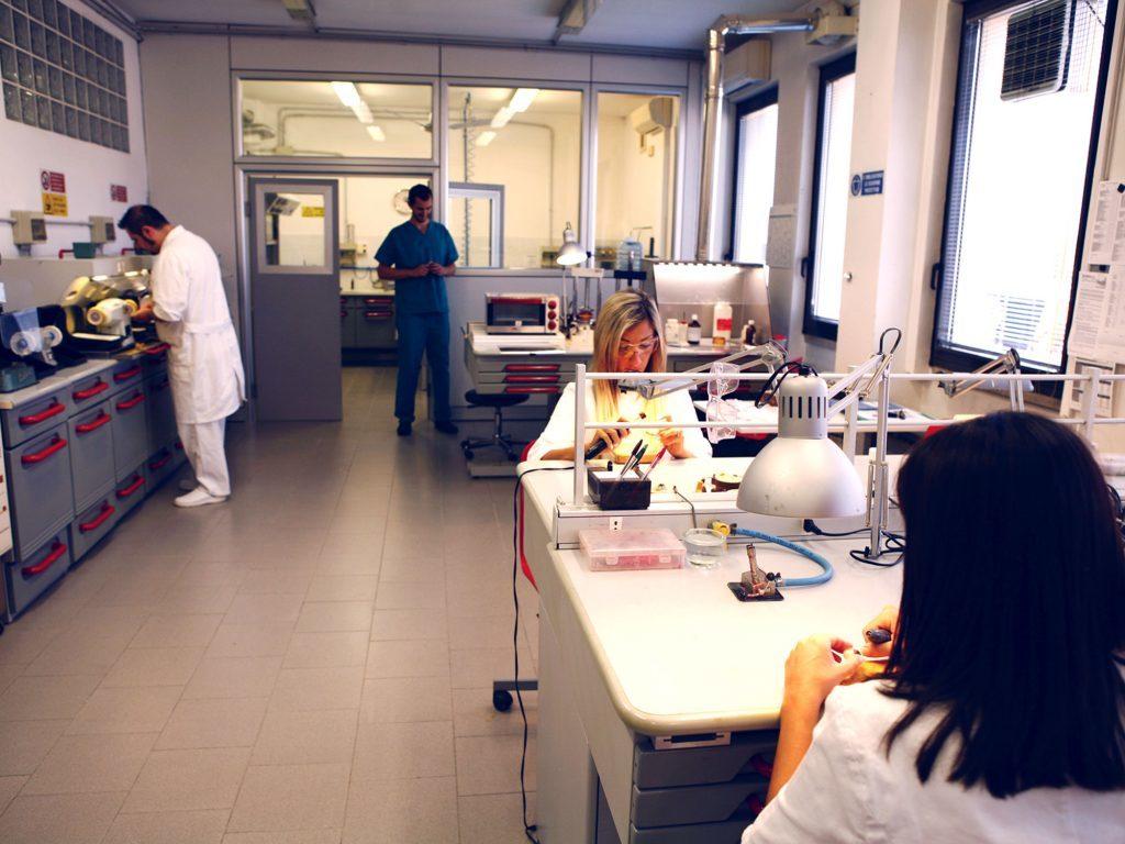Guida alle protesi oculari: il laboratorio